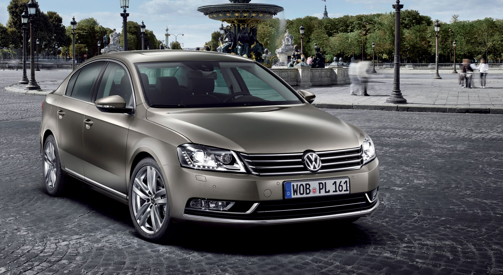 volkswagen passat saloon review 2011 2014 parkers. Black Bedroom Furniture Sets. Home Design Ideas