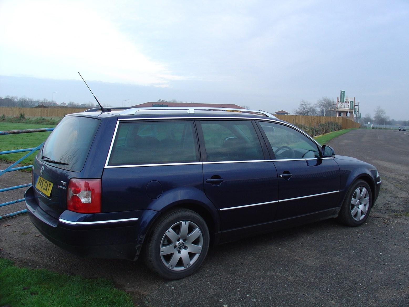 Used Volkswagen Passat >> Volkswagen Passat Estate Review (2000 - 2005) | Parkers