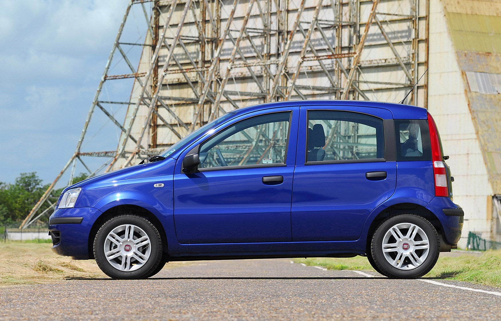 Fiat Panda Hatchback 2004 2011 Features Equipment And