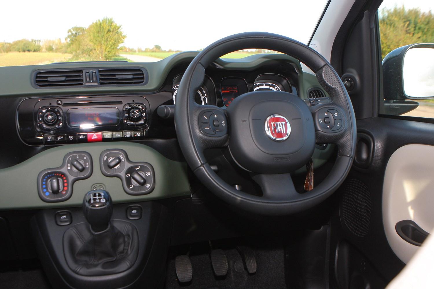 fiat panda 4x4 2012 features equipment and accessories parkers. Black Bedroom Furniture Sets. Home Design Ideas