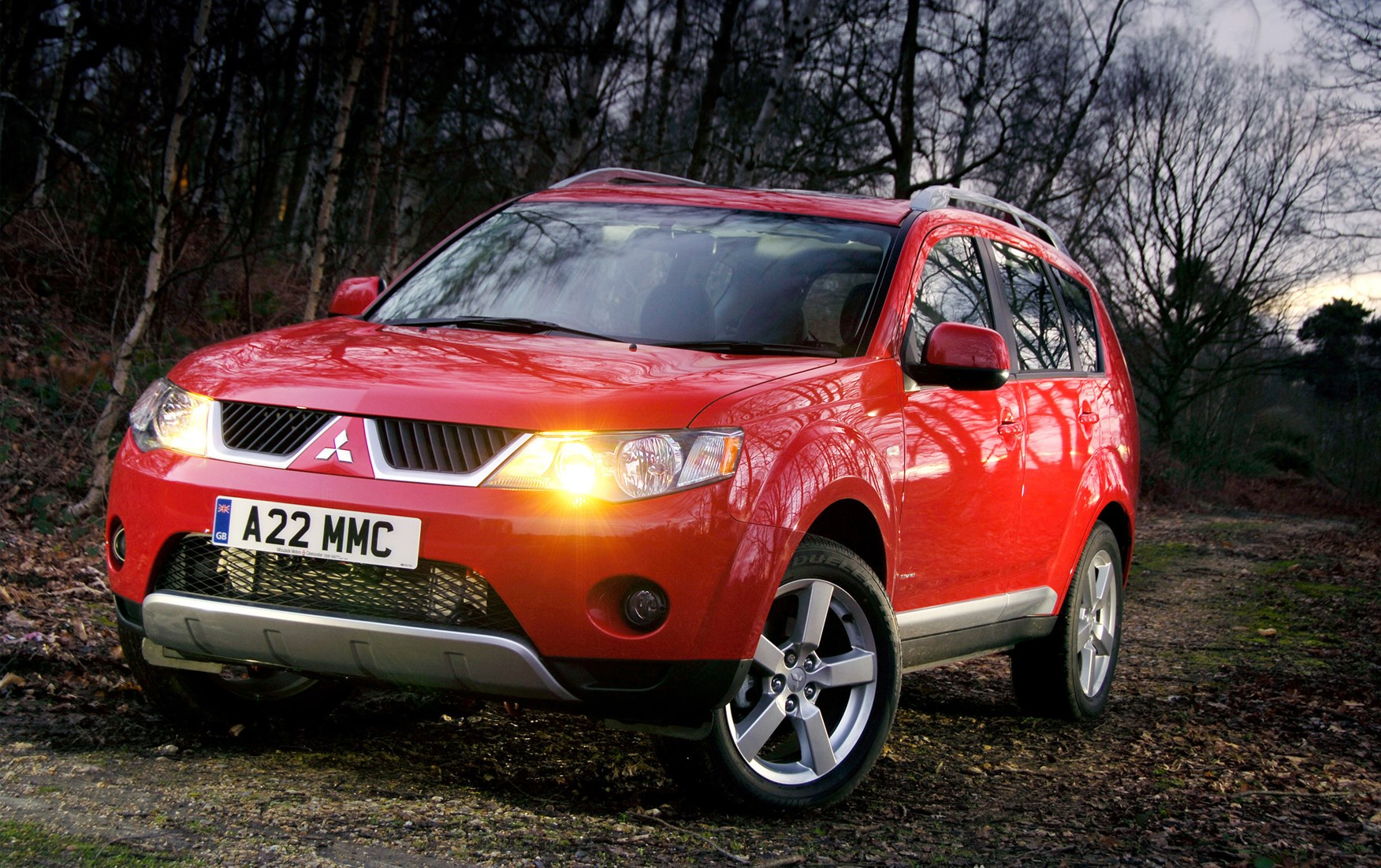Used Mitsubishi Outlander Estate (2007 - 2013) Review | Parkers