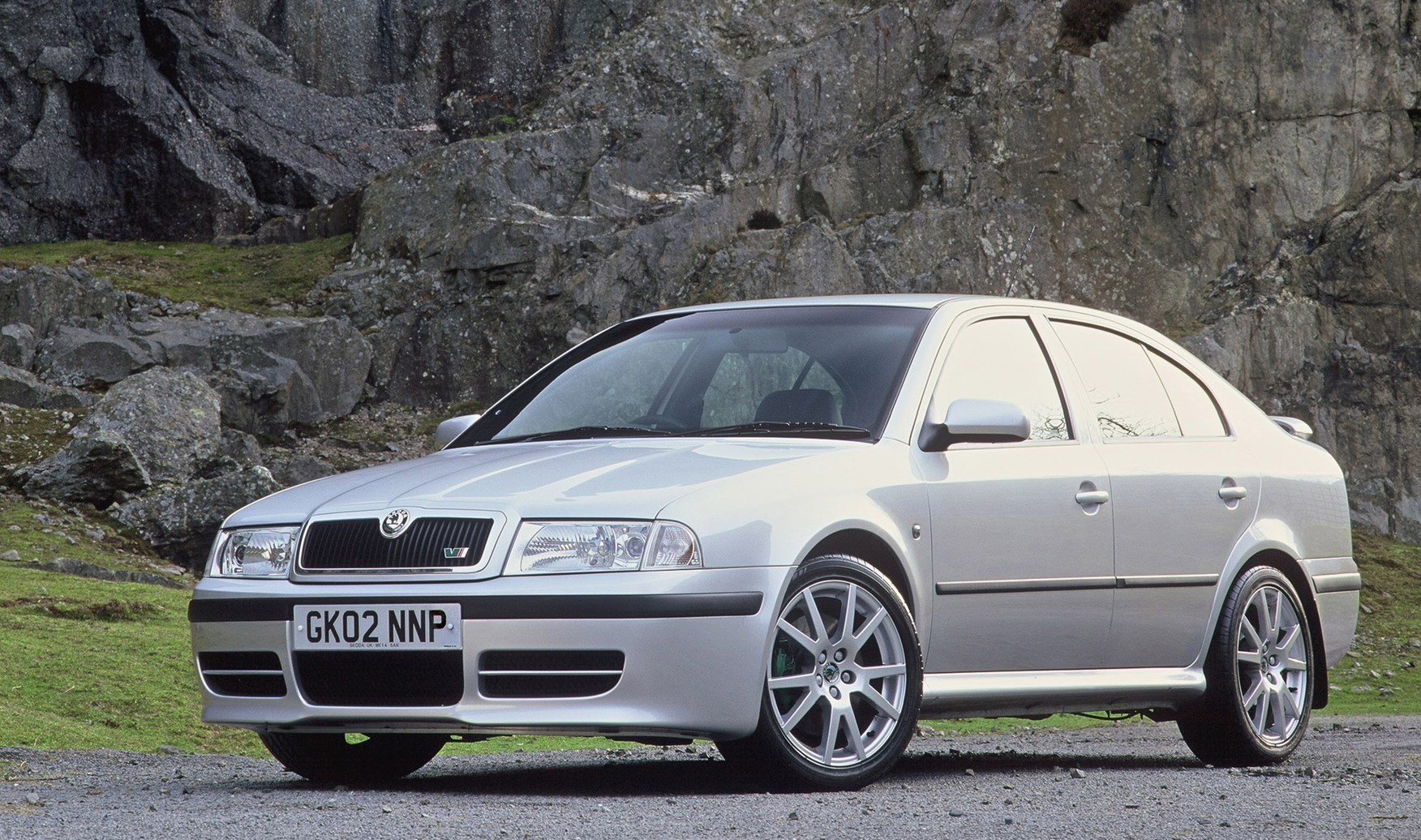 skoda octavia vrs review 2001 2005 parkers. Black Bedroom Furniture Sets. Home Design Ideas