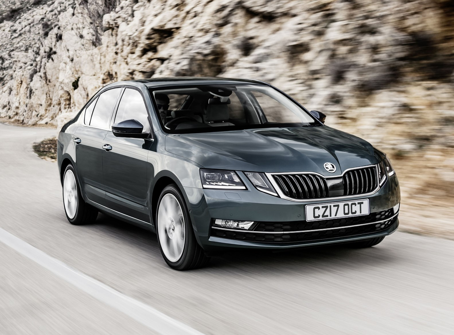 skoda octavia hatchback review parkers. Black Bedroom Furniture Sets. Home Design Ideas