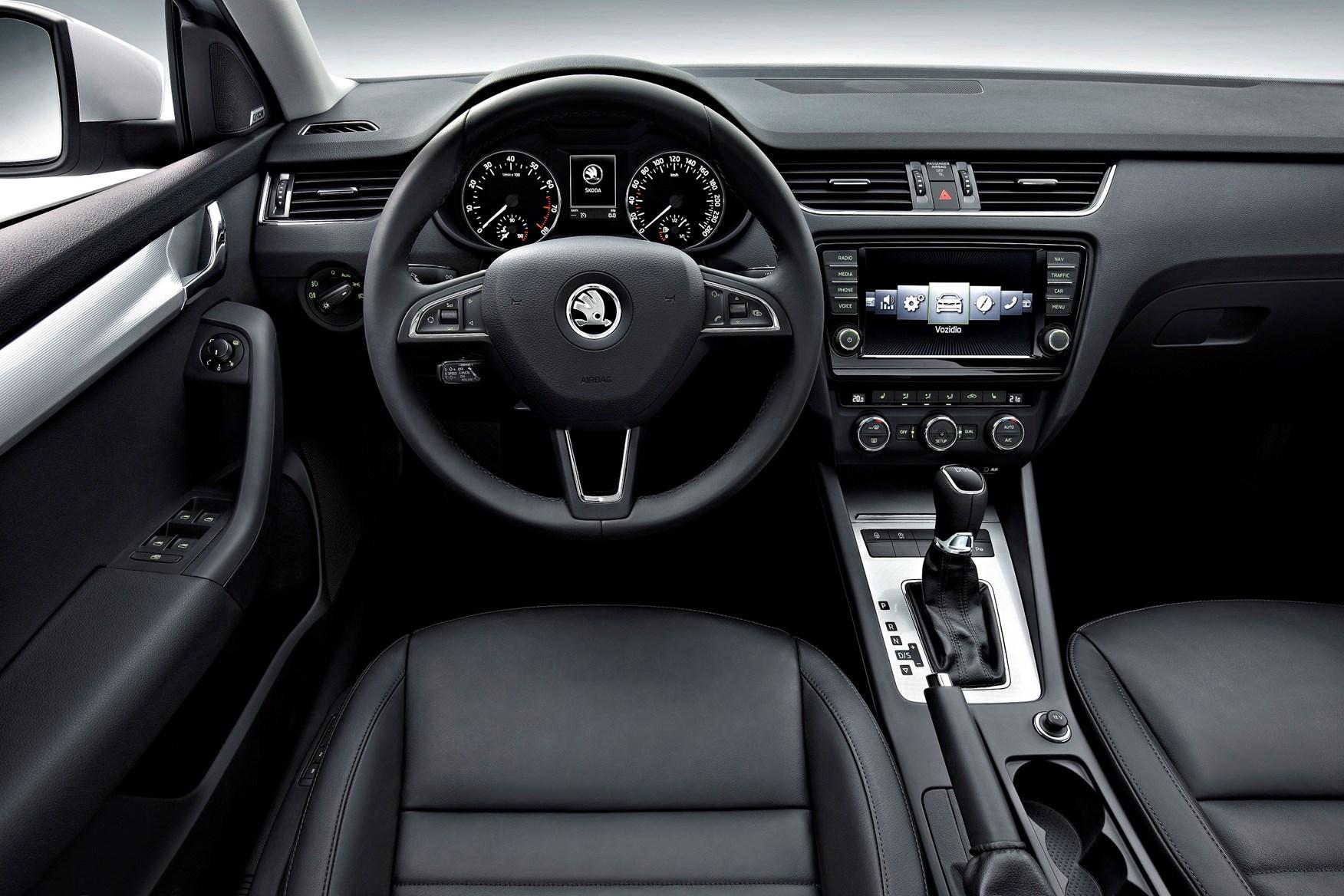 Skoda Octavia hatchback review: summary | Parkers