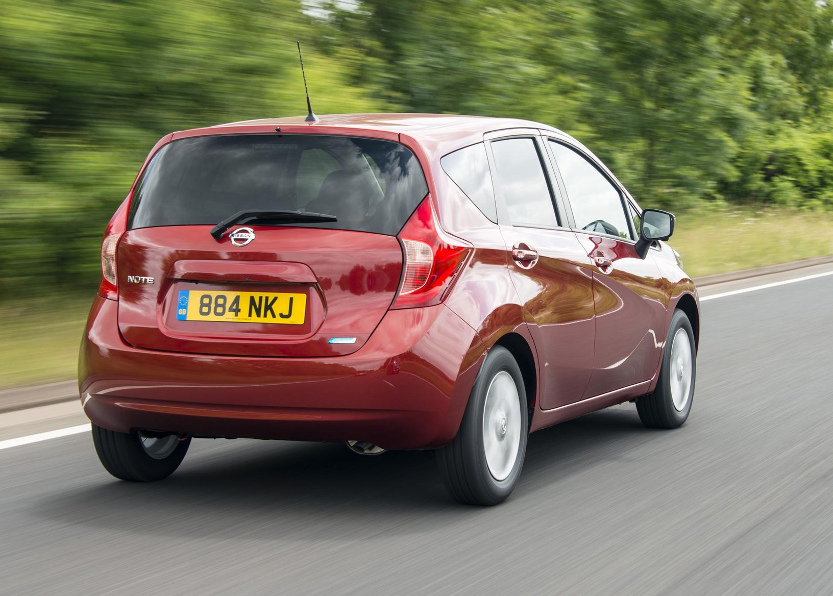 nissan note hatchback review  2013
