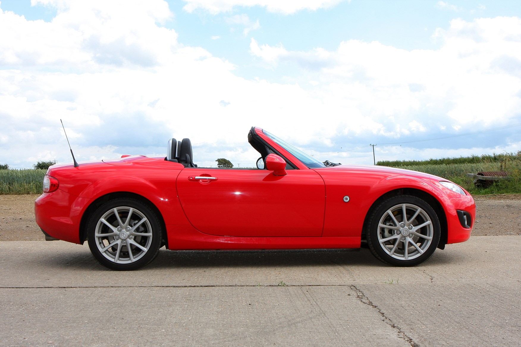 Mazda Mx 5 Convertible 2005 2015 Features Equipment And Home Audio Mx5 Mk3 Radio Electronic Circuit Board How Much Is It To Insure