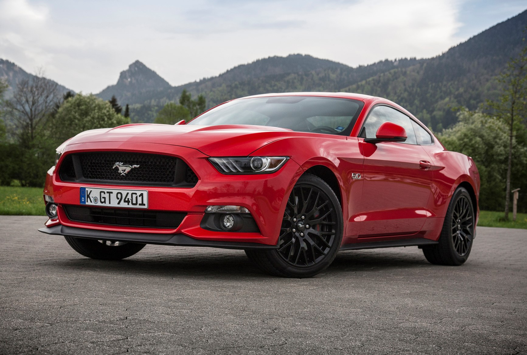 Ford mustang coupe 2015 running costs parkers