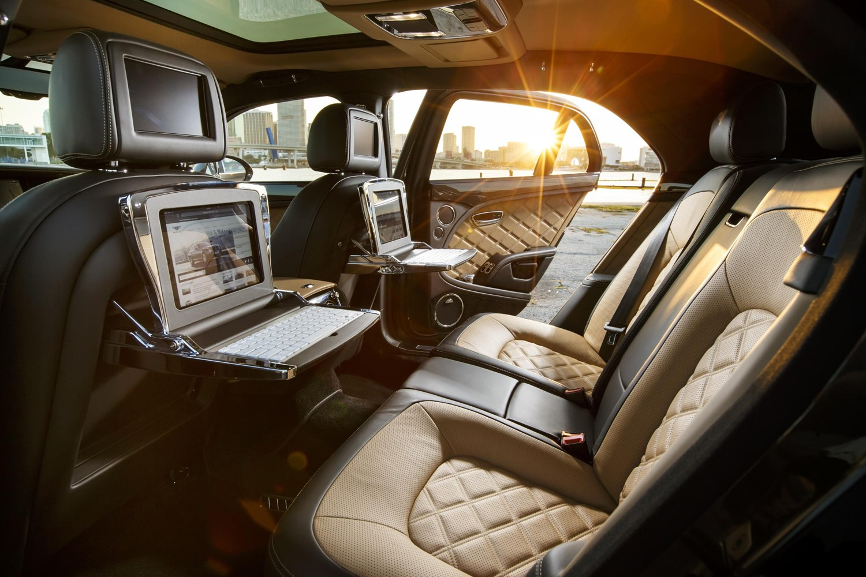Bentley Mulsanne (2020) rear-seat room