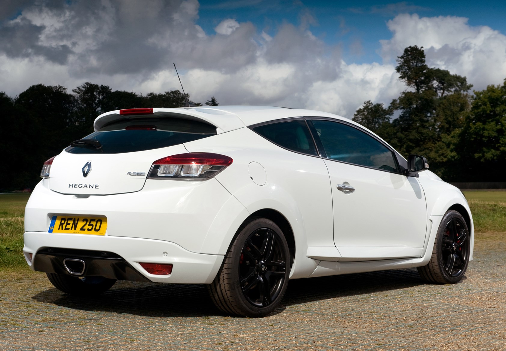 Used Renault Megane Renaultsport 2010 2016 Review Parkers