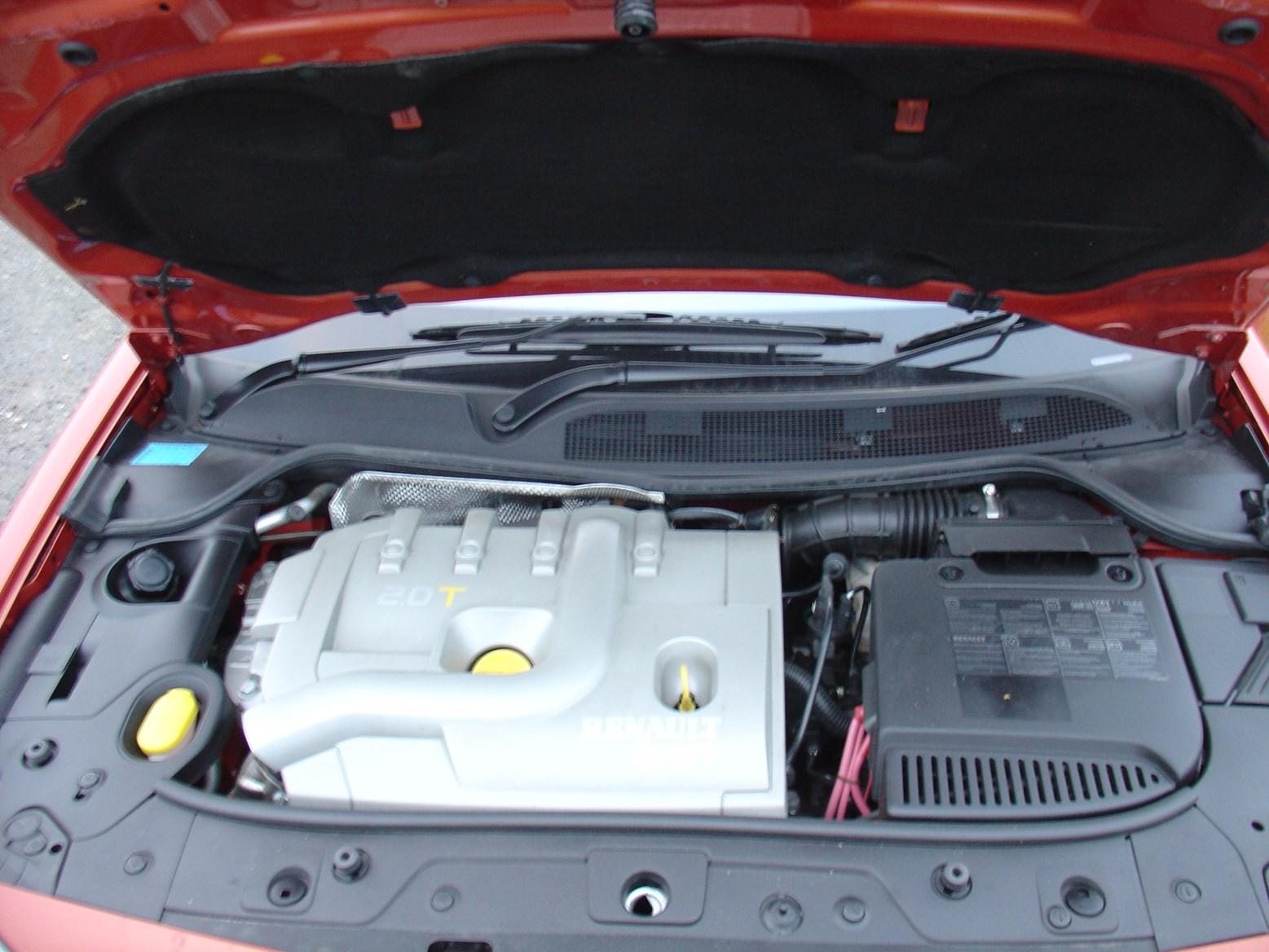 Renault Megane Hatchback 2002 2006 Features Equipment