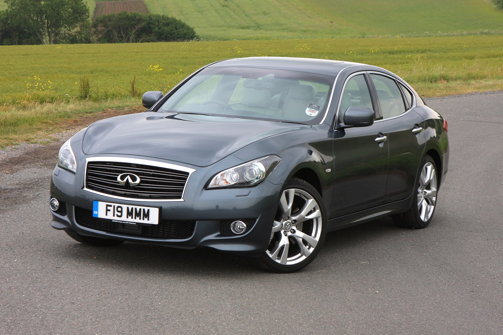 Infiniti M Saloon Review (2010 - ) | Parkers