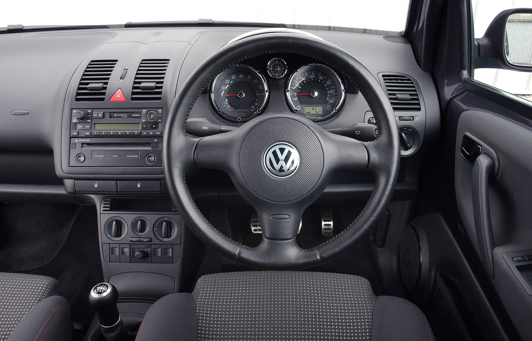 Volkswagen Lupo Hatchback (1999 - 2005) Features, Equipment and ...
