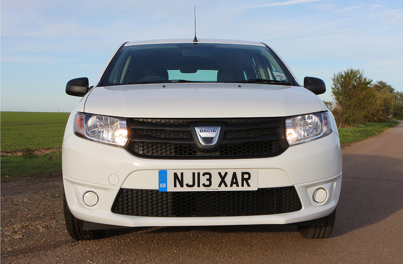 dacia logan mcv 2013 features equipment and accessories parkers. Black Bedroom Furniture Sets. Home Design Ideas