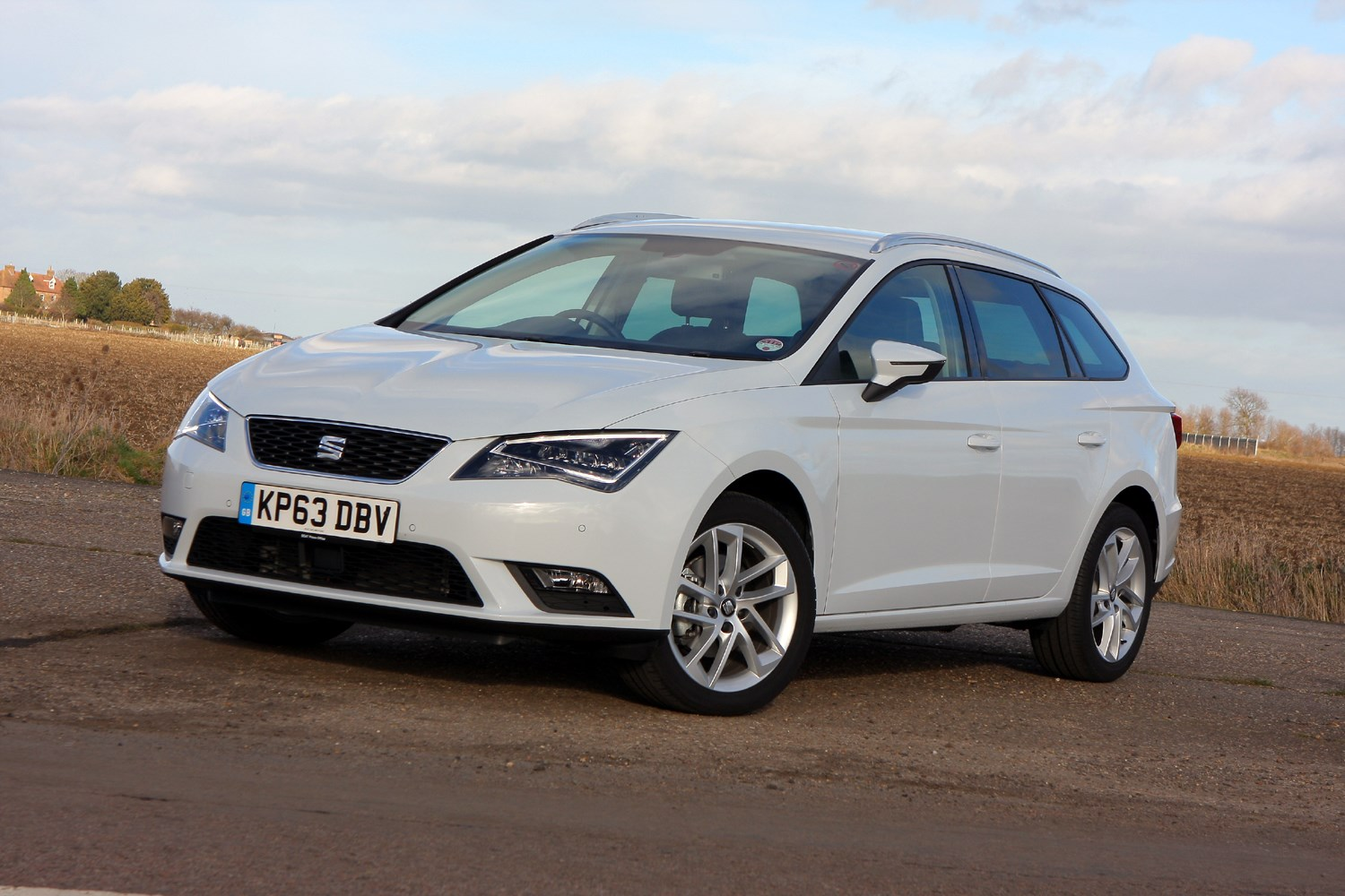 seat leon st 2014 driving performance parkers. Black Bedroom Furniture Sets. Home Design Ideas