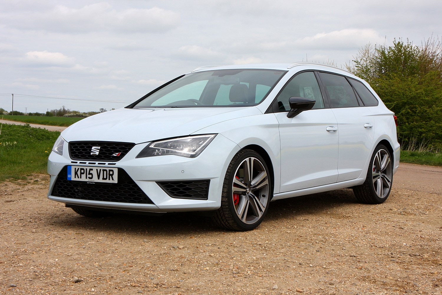 seat leon cupra review 2014 2016 parkers. Black Bedroom Furniture Sets. Home Design Ideas