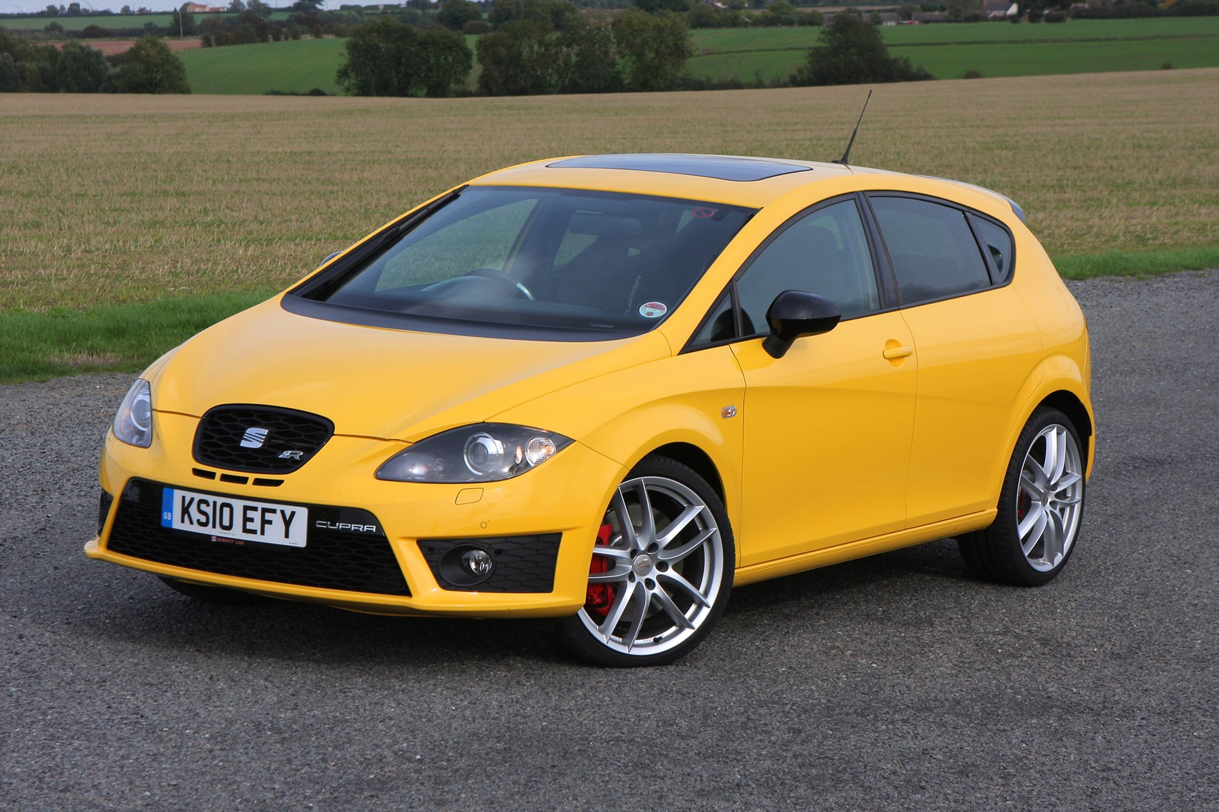seat leon cupra r review 2010 2012 parkers. Black Bedroom Furniture Sets. Home Design Ideas