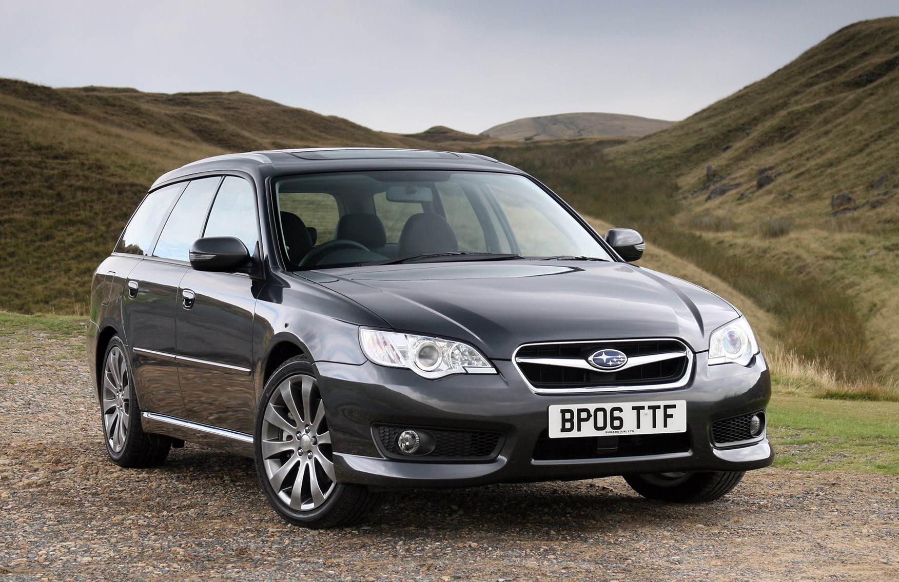 Subaru Legacy Sports Tourer Review 2003 2009 Parkers