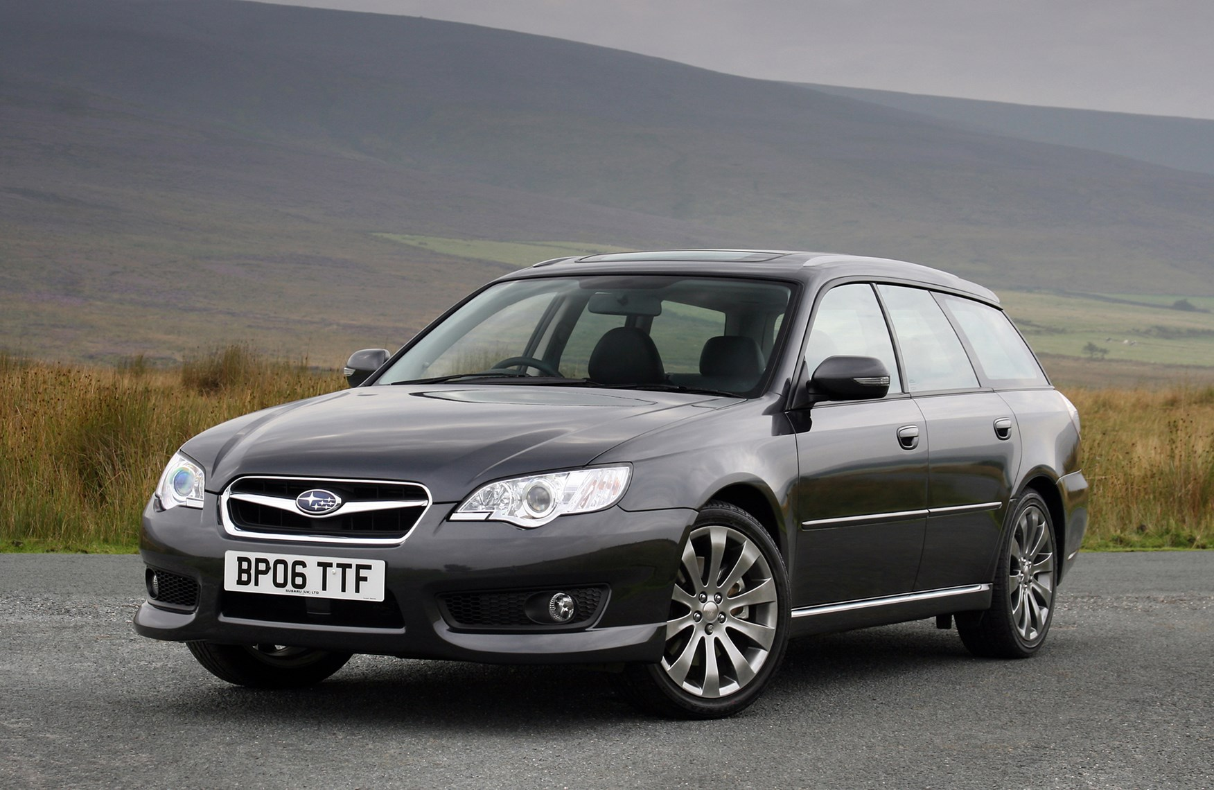 Used Subaru Wrx Sti For Sale >> Subaru Legacy Sports Tourer Review (2003 - 2009) | Parkers