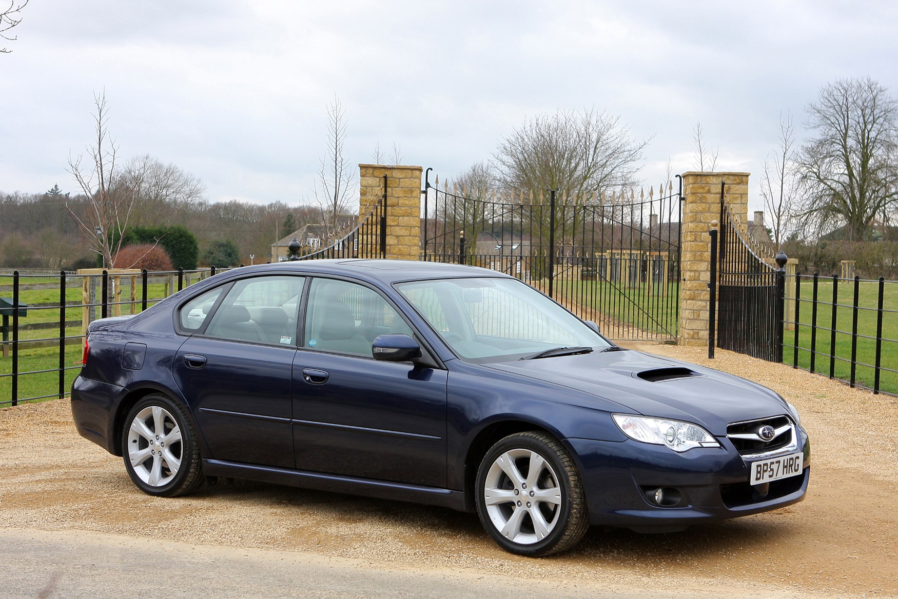 subaru legacy saloon 2003 2010 running costs parkers. Black Bedroom Furniture Sets. Home Design Ideas