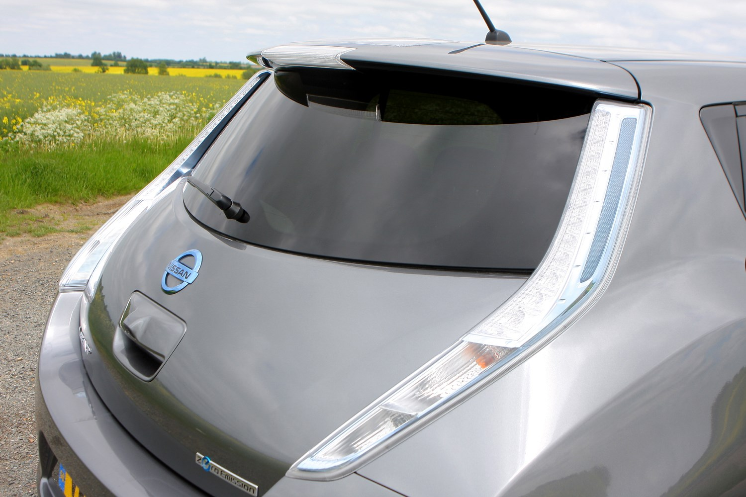 Nissan Leaf Hatchback 2011 2018 Features Equipment And