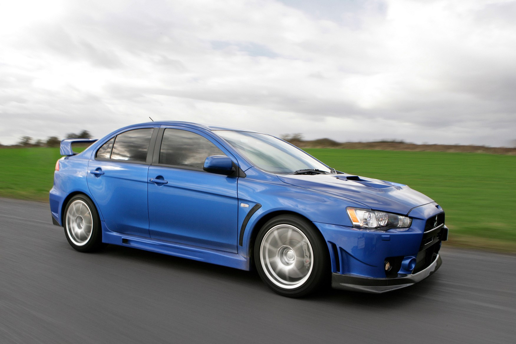 Used Mitsubishi Lancer Evo Evo X (2008 - 2014) Review | Parkers