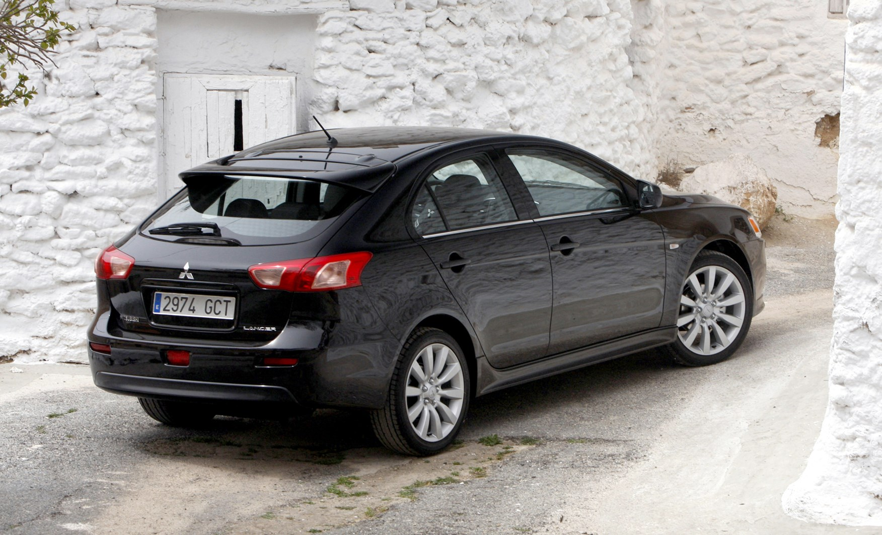 mitsubishi lancer sportback review 2008 2011 parkers. Black Bedroom Furniture Sets. Home Design Ideas
