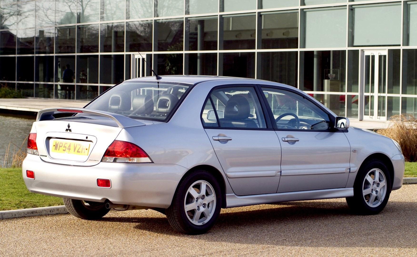 mitsubishi lancer saloon review (2005 - 2008) | parkers
