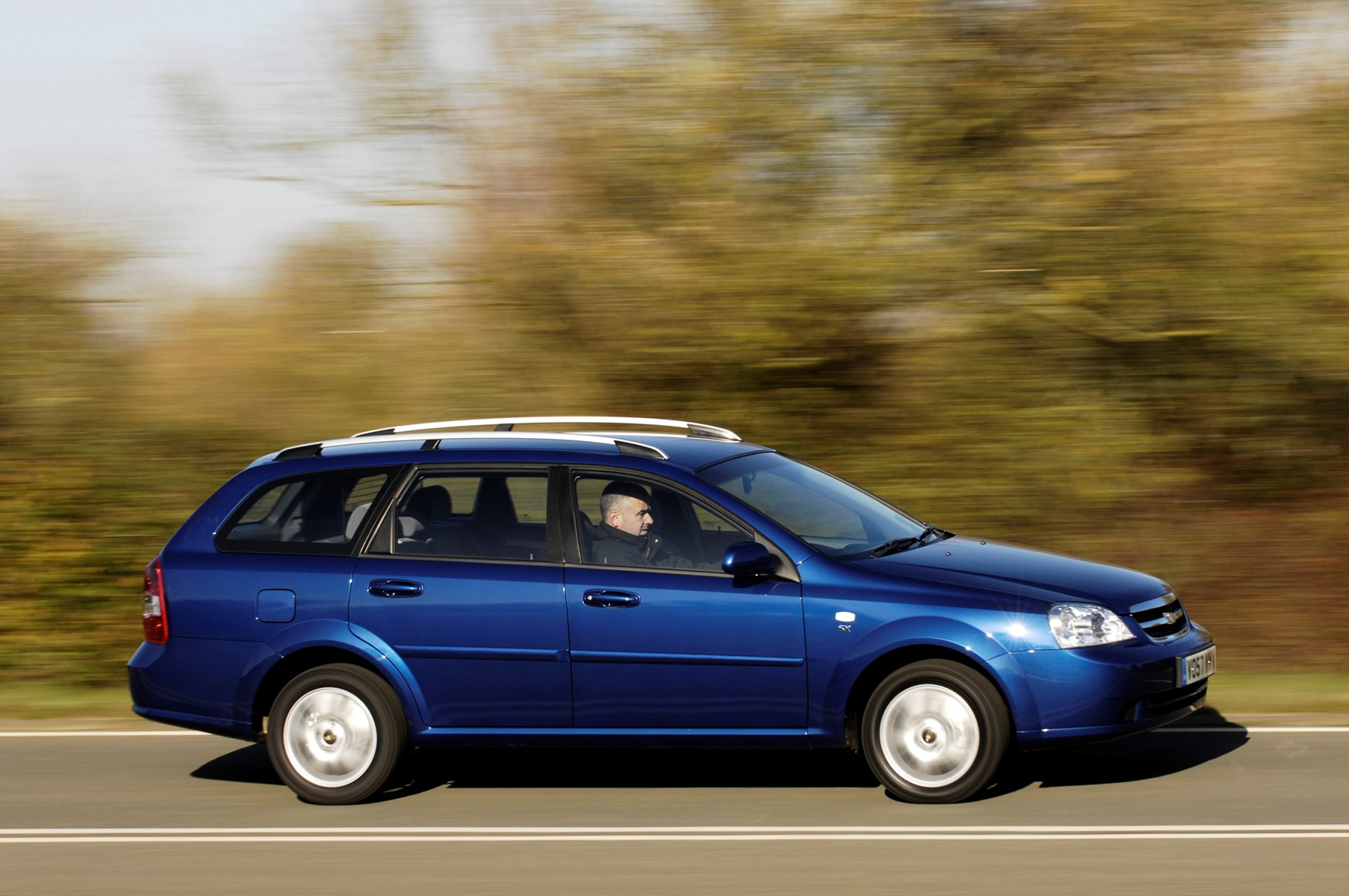 Chevrolet Lacetti Station Wagon 2005 2011 Features
