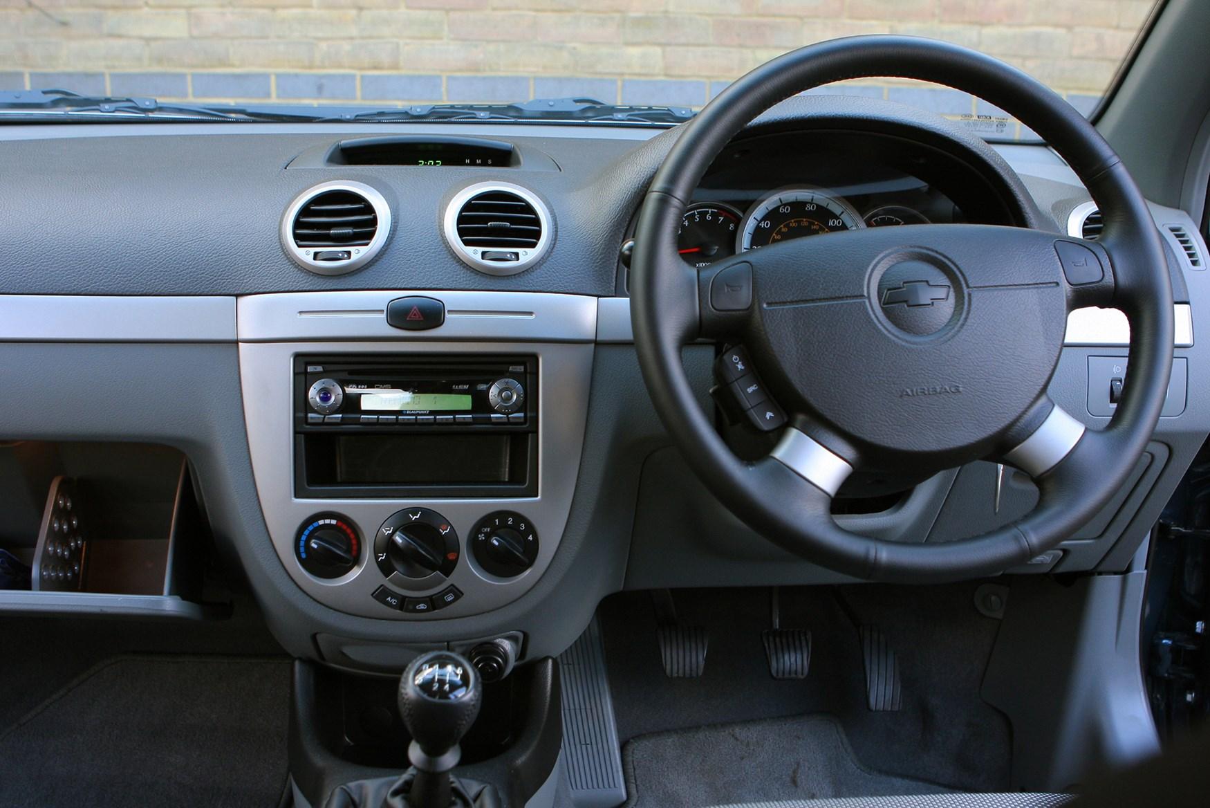 Chevrolet Lacetti Hatchback Review (2005 - 2011) | Parkers