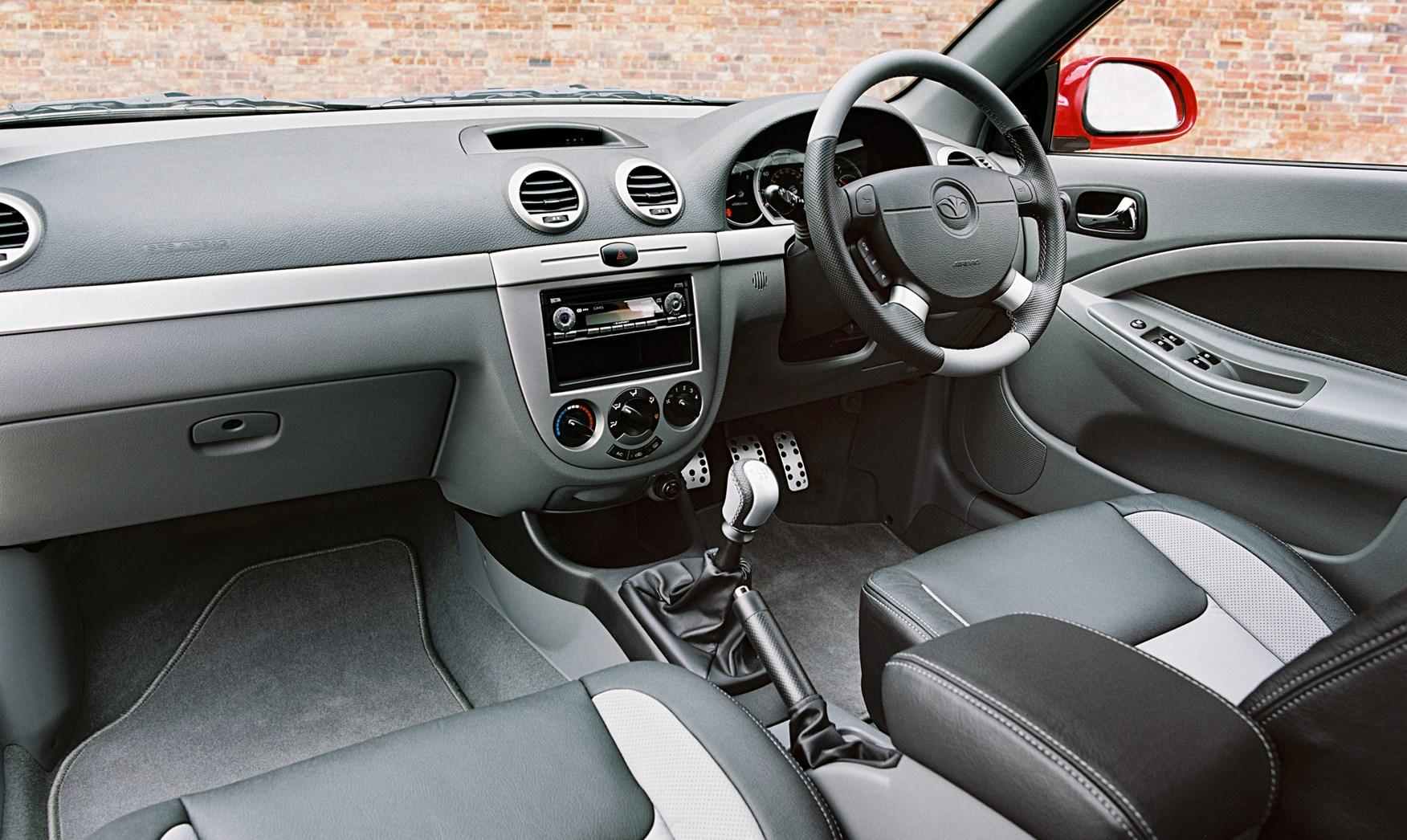 Chevrolet Lacetti Hatchback Review 2005 2011 Parkers