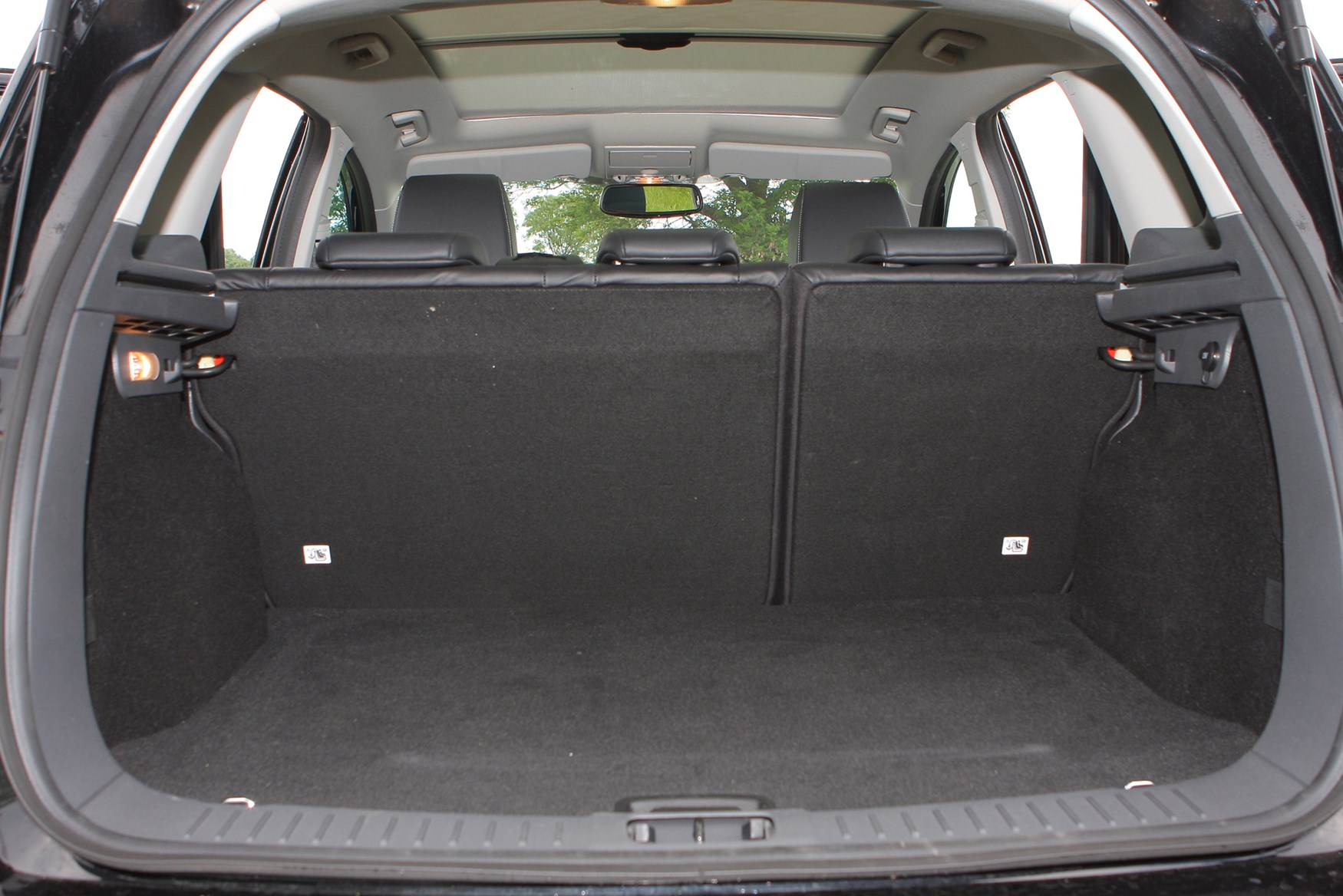 ford kuga estate review 2008 2012 parkers. Black Bedroom Furniture Sets. Home Design Ideas