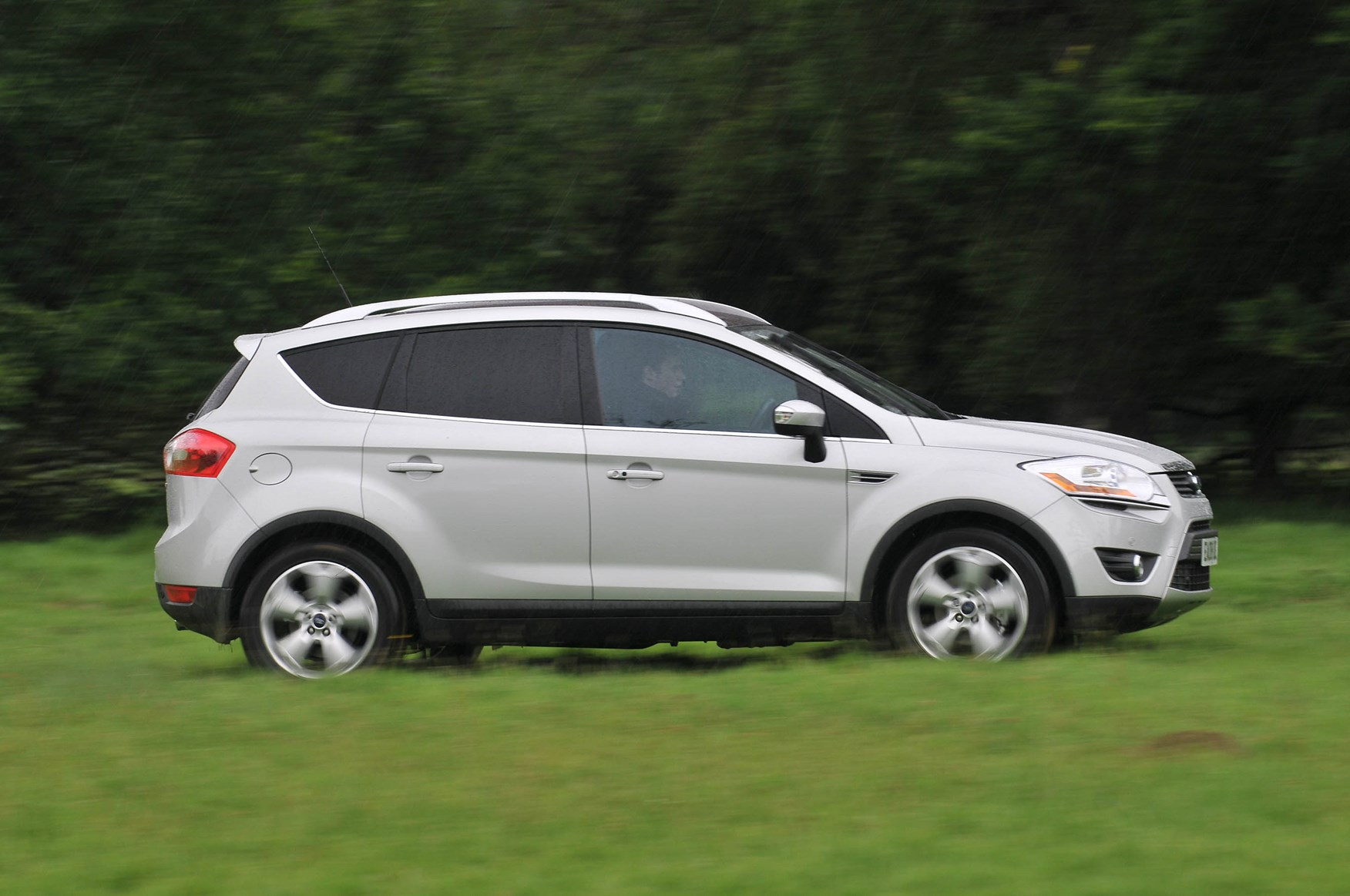 Car Ford Kuga: reviews of owners, specifications and features 18