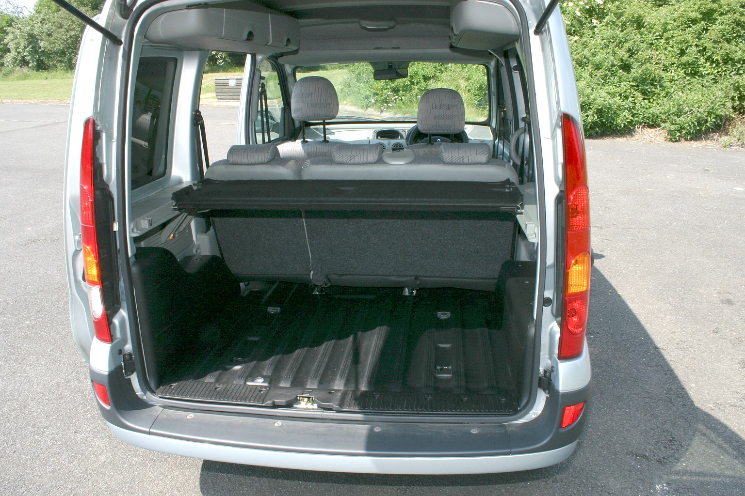 Renault Kangoo Estate 1999 2008 Features Equipment