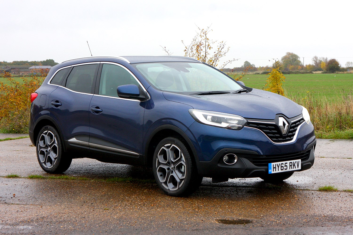renault kadjar 4x4 review 2015 parkers. Black Bedroom Furniture Sets. Home Design Ideas