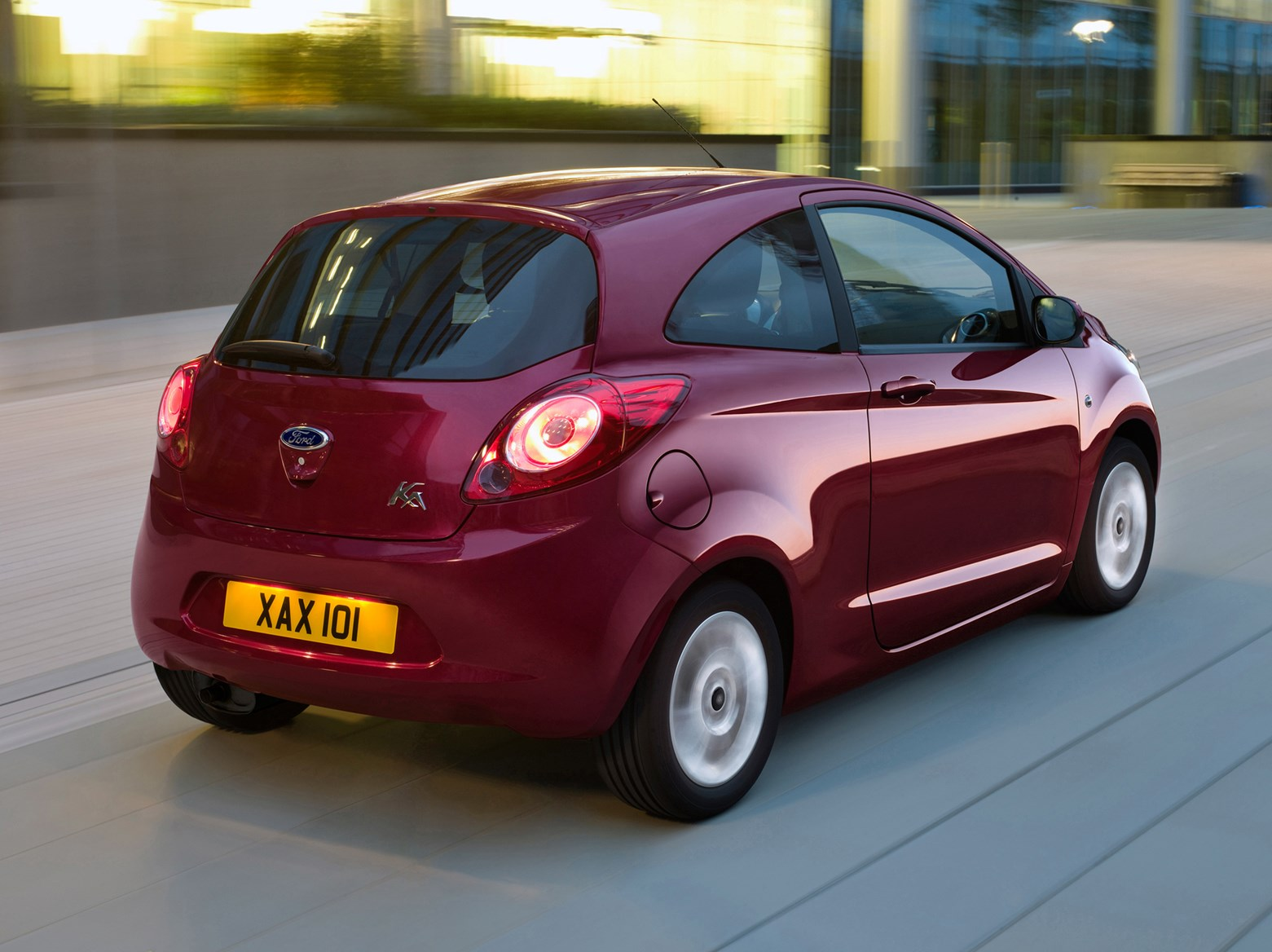ford ka hatchback 2009 2016 features equipment and accessories parkers. Black Bedroom Furniture Sets. Home Design Ideas