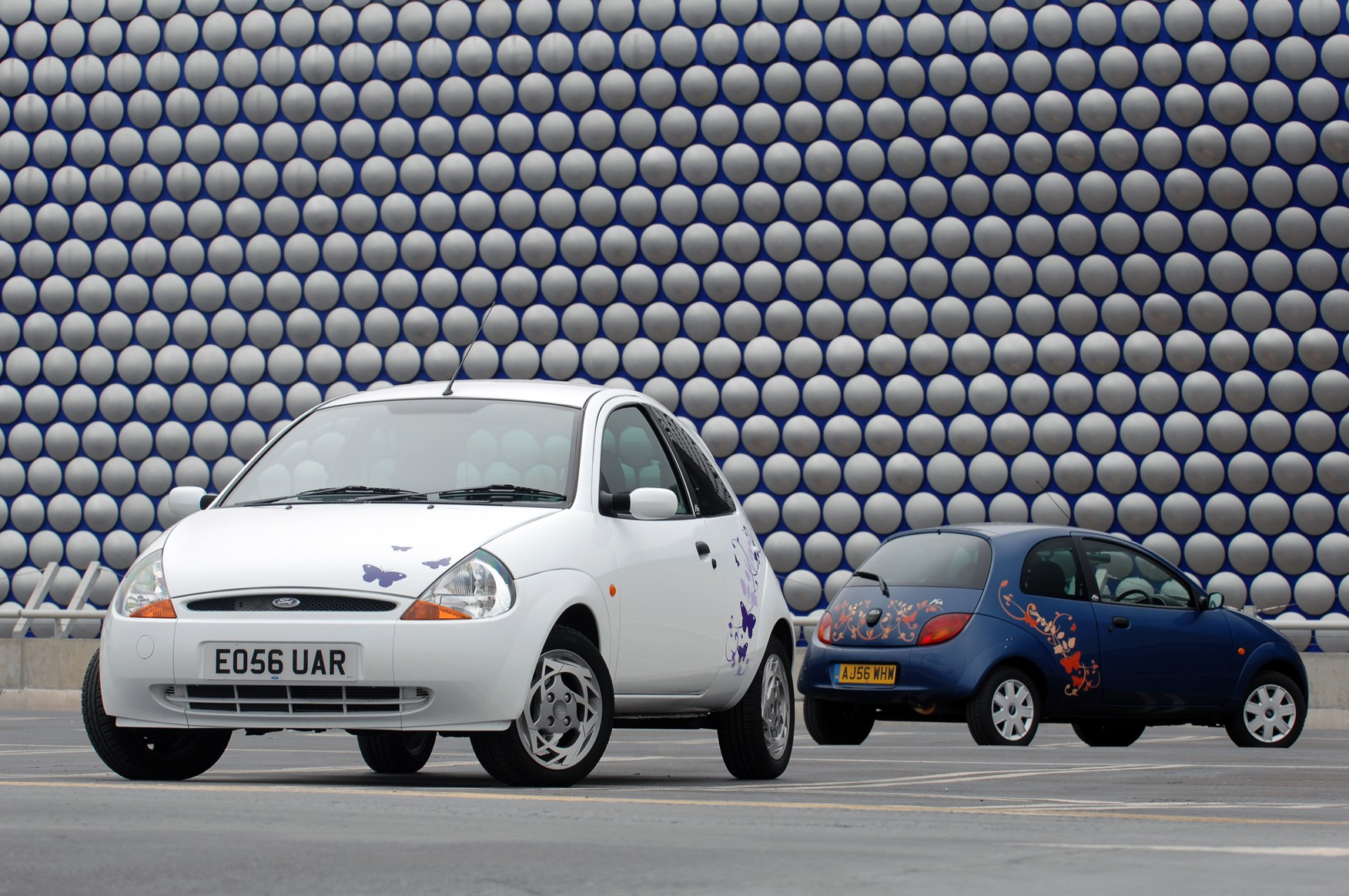 Ford Ka Hatchback   Features Equipment And Accessories Parkers