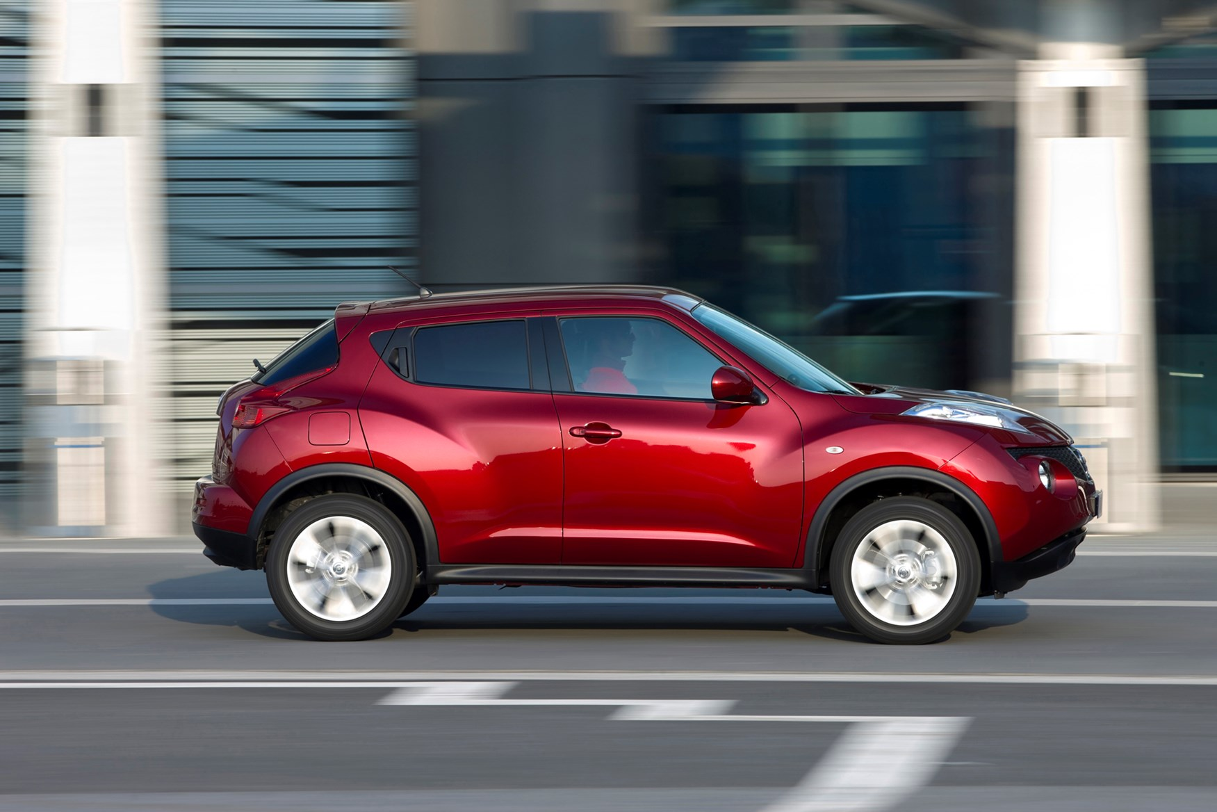 nissan juke suv review summary parkers. Black Bedroom Furniture Sets. Home Design Ideas