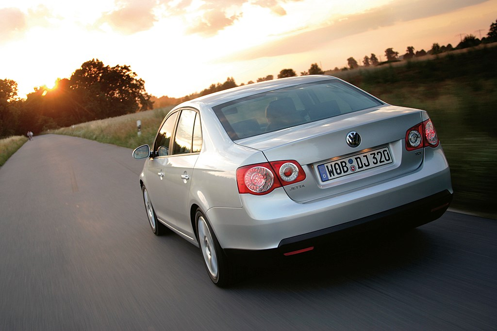 Used Volkswagen Jetta Saloon (2006 - 2010) Review | Parkers