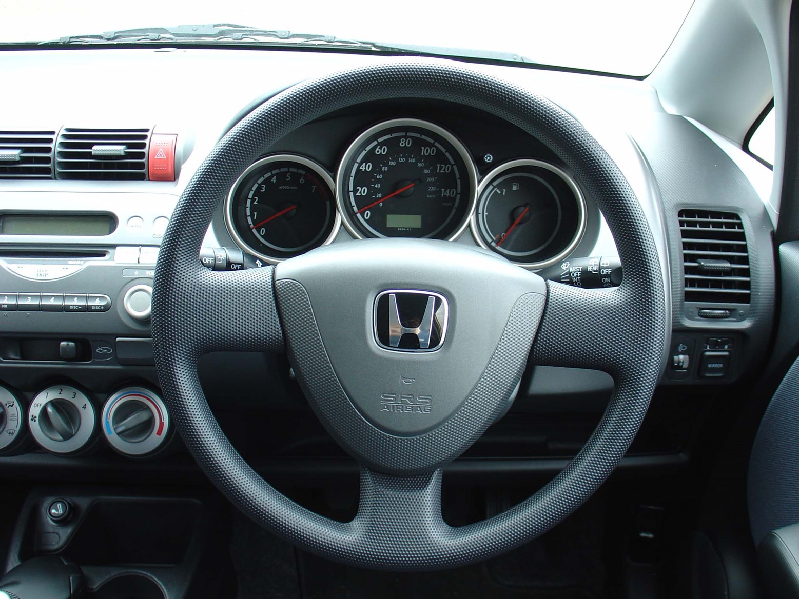 Honda Jazz Hatchback (2002 - 2008) Features, Equipment and ...