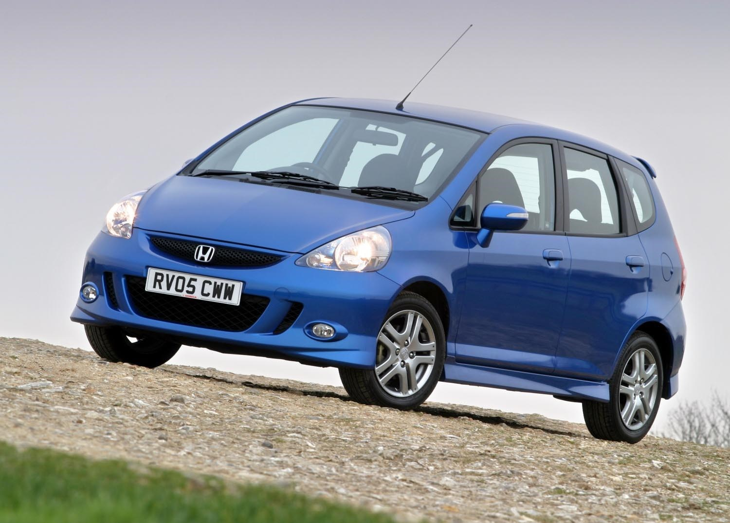 honda jazz hatchback (2002 - 2008) features, equipment and