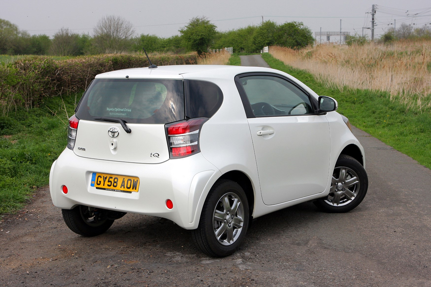 toyota iq hatchback 2009 2014 running costs parkers. Black Bedroom Furniture Sets. Home Design Ideas
