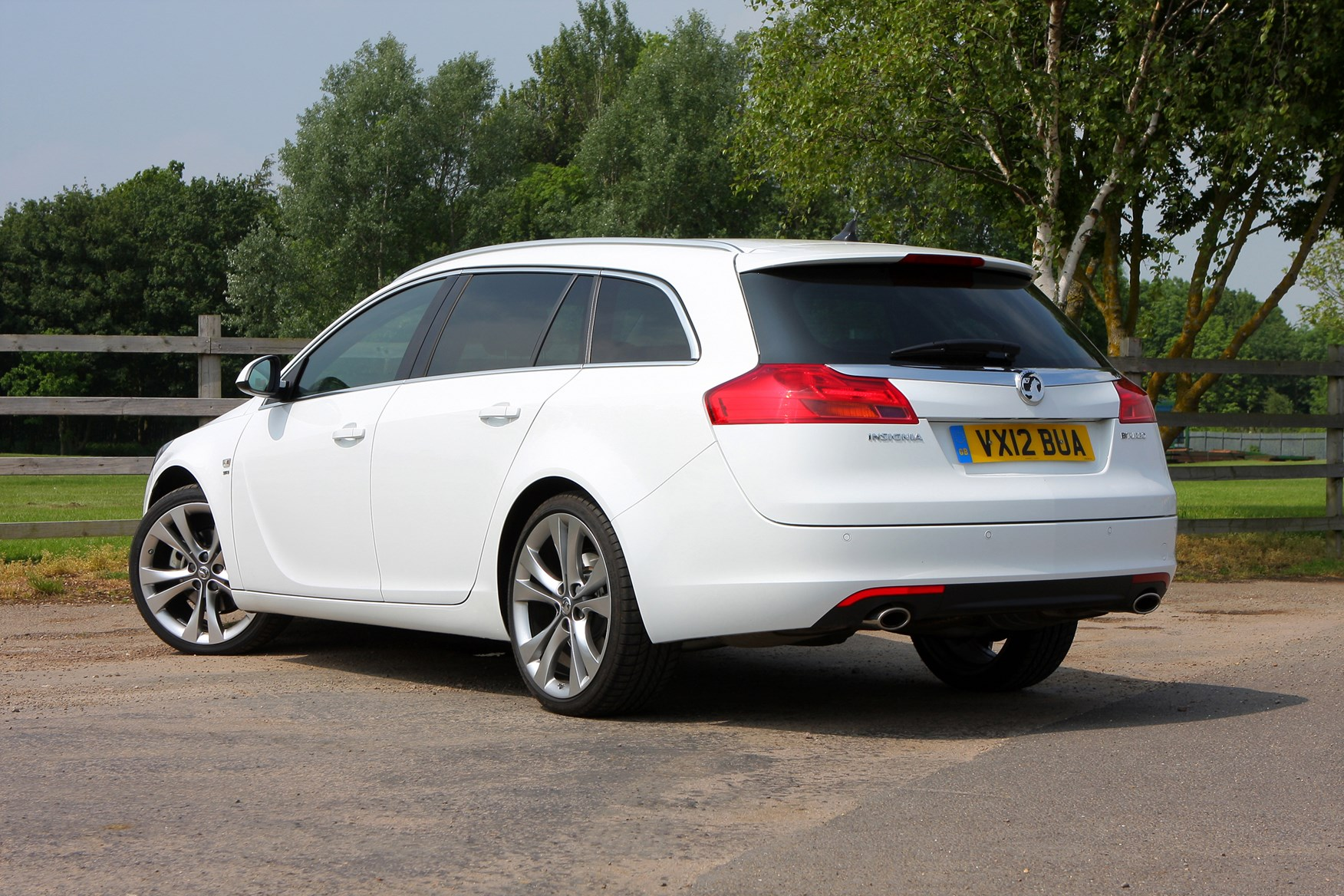 Used Vauxhall Insignia Sports Tourer (2009 - 2017) Review