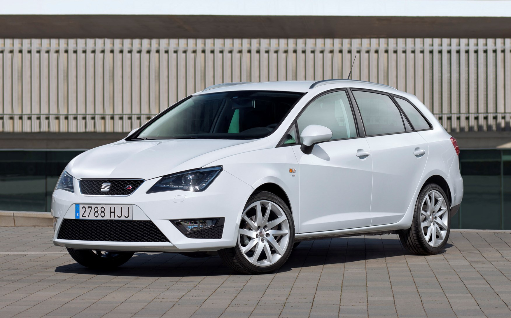seat ibiza st review 2010 2017 parkers. Black Bedroom Furniture Sets. Home Design Ideas