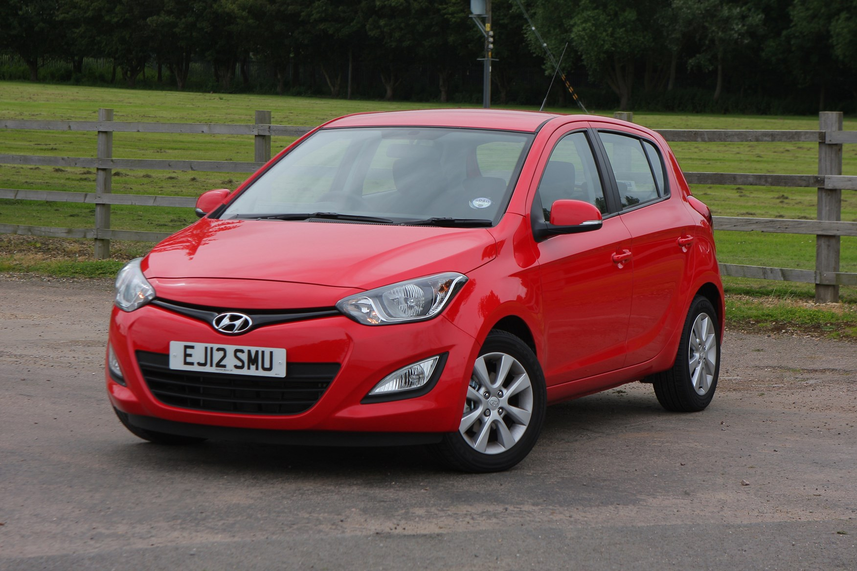 hyundai i20 hatchback review 2009 2014 parkers. Black Bedroom Furniture Sets. Home Design Ideas
