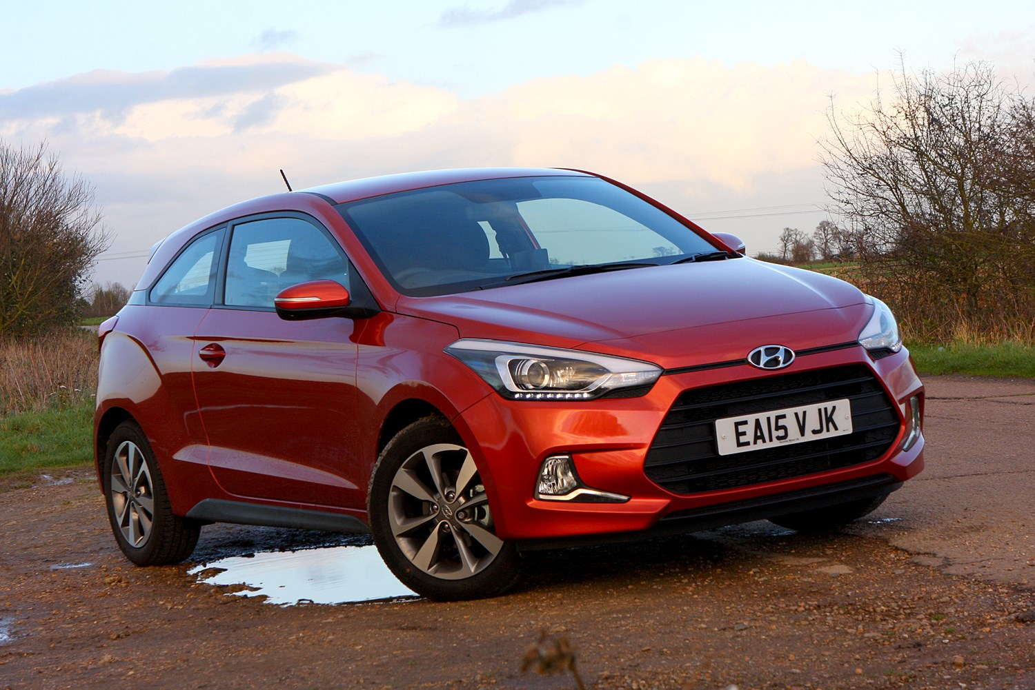 hyundai i20 coupe review 2015 2017 parkers. Black Bedroom Furniture Sets. Home Design Ideas