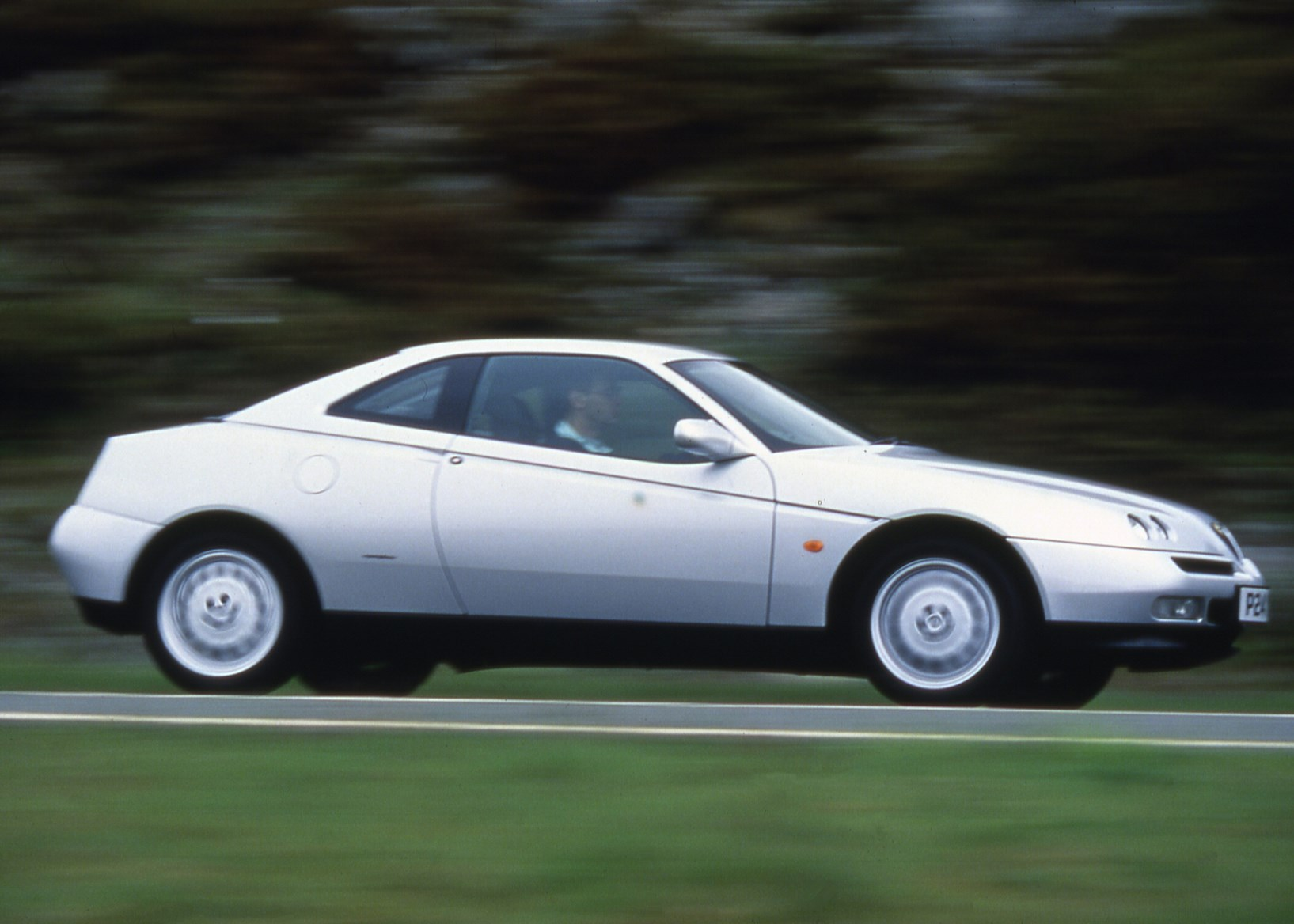 Alfa Romeo GTV Coupe Review (1996 - 2004)