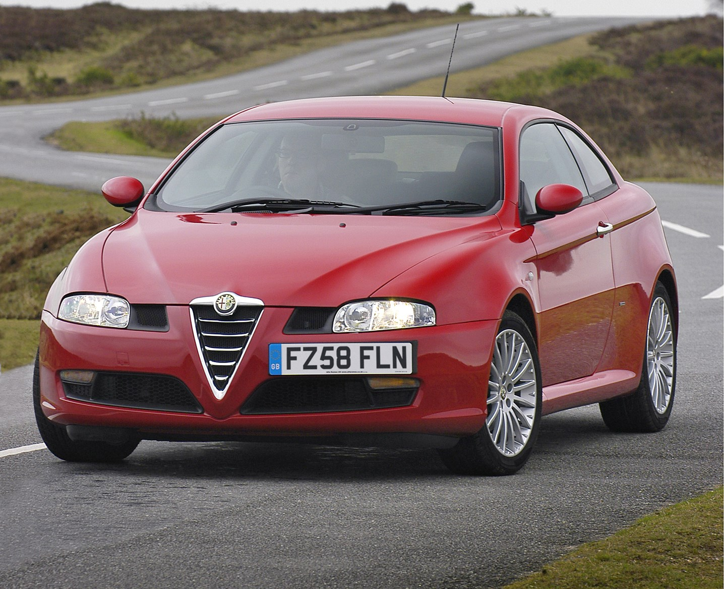 alfa romeo gt coupe review 2004 2010 parkers. Black Bedroom Furniture Sets. Home Design Ideas