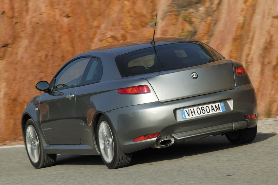 alfa romeo gt coupe review (2004 - 2010) | parkers
