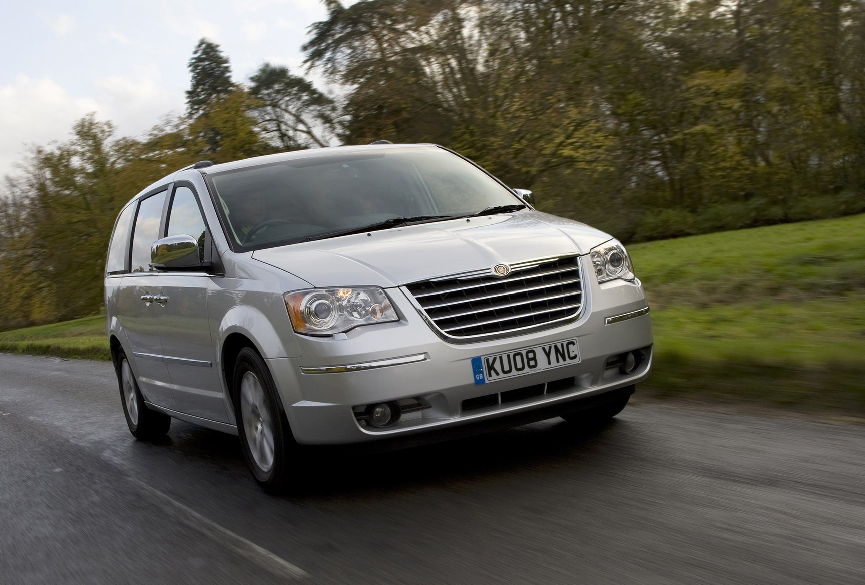 Chrysler Grand Voyager Station Wagon Review 2008 2015 Parkers Tuning