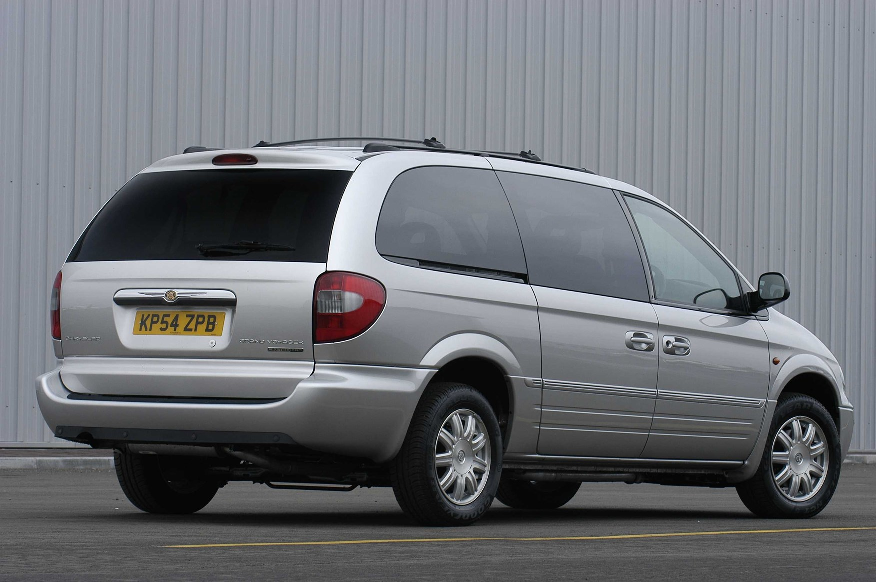 chrysler grand voyager estate 2001 2008 running costs parkers. Black Bedroom Furniture Sets. Home Design Ideas